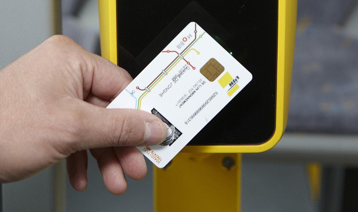 ReTiBo uitrusting op gelede bus van De Lijn